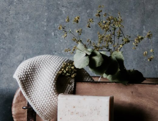 Wunderschöne Vintage Ziegelform Holzkiste