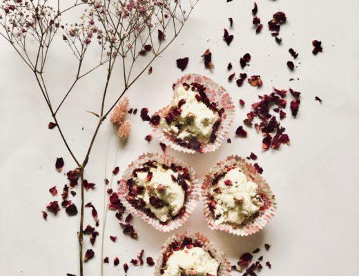 Luxuriöse sinnliche Rosenbadepraline