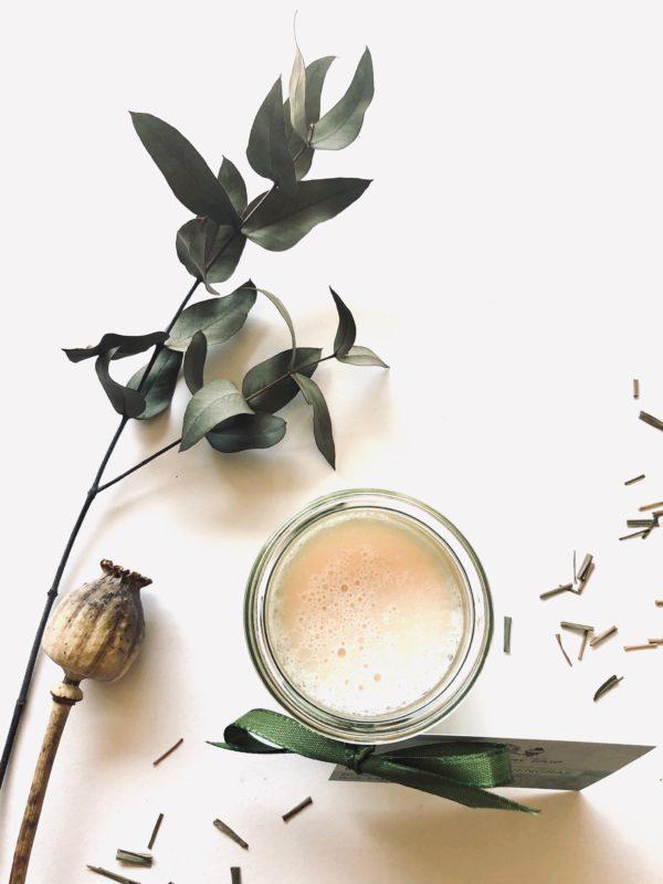 """Unsere Philosophie: nachhaltig schön! Alle Produkte von """"Badepralien on Tour""""pflegen Ihre Haut nachhaltig mit wertvollen Inhaltsstoffen und geben Ihrer Haut ein Wohlbefinden."""