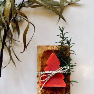 Fruchtige Granatapfelseife & schöne Olivenholzseifenschale